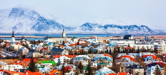 Cityscape-Reykjavík-iStock_000057210438_Large-2