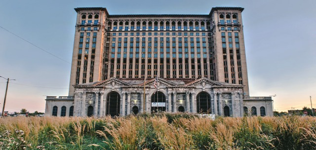 4_fi_ziptopia-corktown-detroit-michigan-central-station.jpg